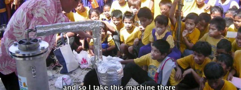 A máquina que transforma plástico em petróleo