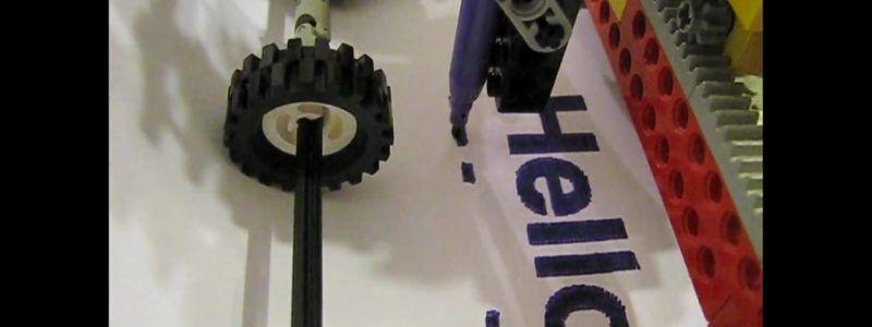 Impressora feita de peças Lego