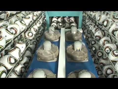 Processo de fabricacao das bolas de futebol da Copa 2010